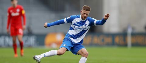 Tobias Kempe von Darmstadt 98 im Spiel gegen Kiel