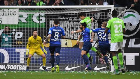 Mario Gomez trifft per Kopf gegen Darmstadt