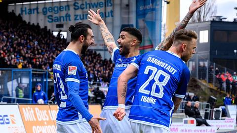 Torjubel des SV Darmstadt 98 gegen Kiel.