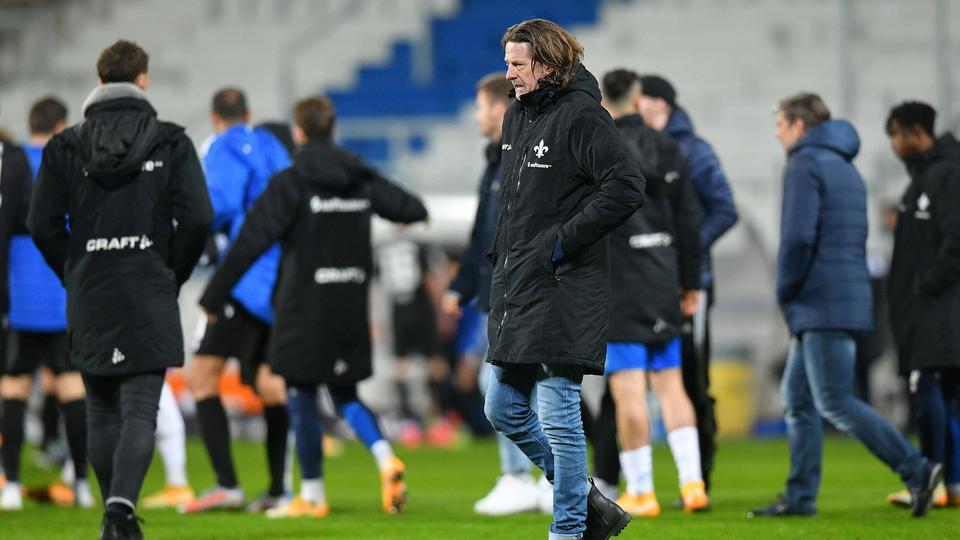 Enttäuschung bei Carsten Wehlmann nach dem 0:1 von Darmstadt gegen den KSC