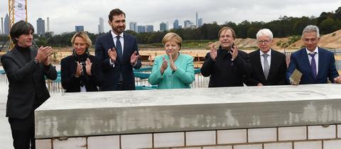 Grundsteinlegung für die neue DFB-Zentrale in Frankfurt