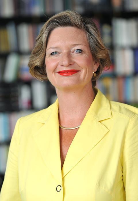 Diplom-Psychologin Heidi Möller in ihrer Wohnung in Kassel