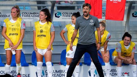 Niko Arnautis, Trainer der SGE-Frauen.