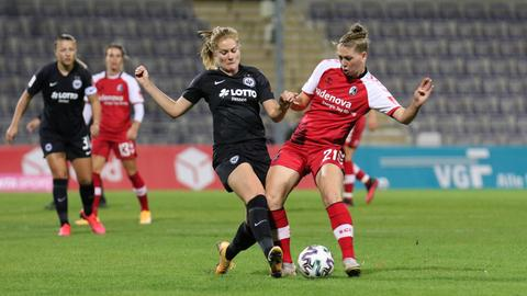Sjoeke Nüsken von Eintracht Frankfurt im Liga-Spiel gegen Freiburg