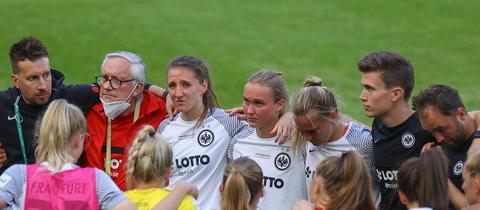 Die Eintracht Frankfurt Frauen erlebten emotionale 120 Minuten gegen Wolfsburg.
