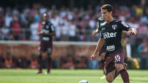 Sao Paulos Hernanes in Action