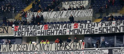 Imago Banner Fanprotest Eintracht Leipzig Montagsspiel