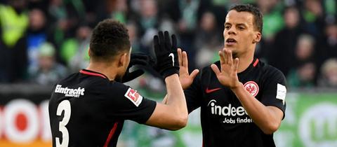 Timothy Chandler bejubelt sein Tor zum 2:0 in Wolfsburg