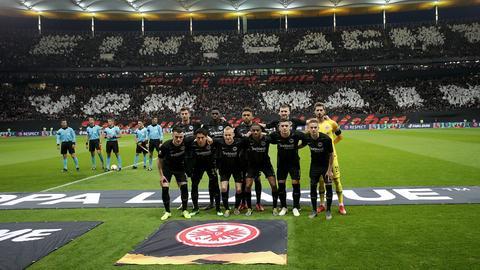 Mannschaftsaufstellung vor Benfica-Spiel