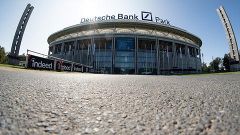 """Der """"Deutsche Bank Park"""" in der Außenansicht."""