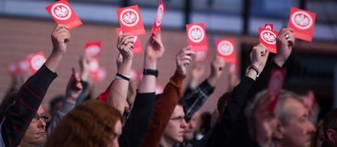 Eintracht-Mitglieder stimmen für Peter Fischer