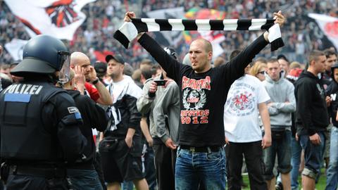 dpa Eintracht-Fan Polizei