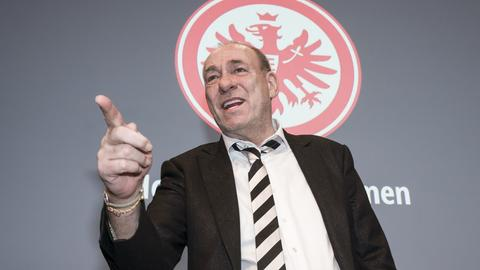 Peter Fischer bei der Mitgliederversammlung von Eintracht Frankfurt