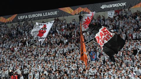 Eintracht-Fans im Stadion von Nikosia