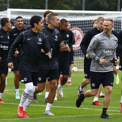 Gute Stimmung im Abschlusstraining von Eintracht Frankfurt