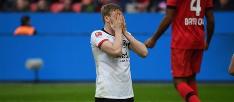 Kaum zu fassen: Martin Hinteregger ruft den Abstiegskampf nach der nächsten Niederlage aus.