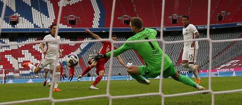 Eintracht Frankfurt Bayern München Kevin Trapp Robert Lewandowski