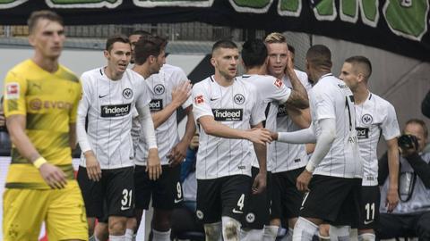 Die Eintracht möchte gegen den BVB wieder jubeln, so wie hier nach dem 2:2-Ausgleich durch Marius Wolf im Hinspiel.