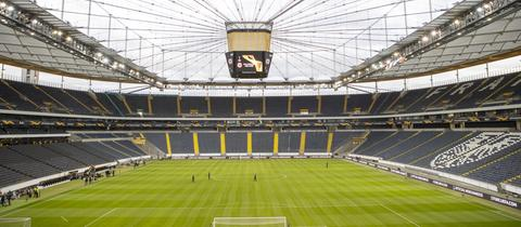 Eintracht Frankfurt meldet zweiten Spieler, der mit dem Corona-Virus infiziert ist.