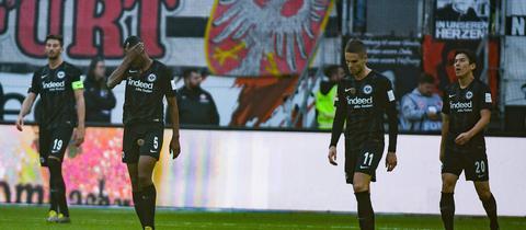 Enttäuschte Eintracht-Spieler