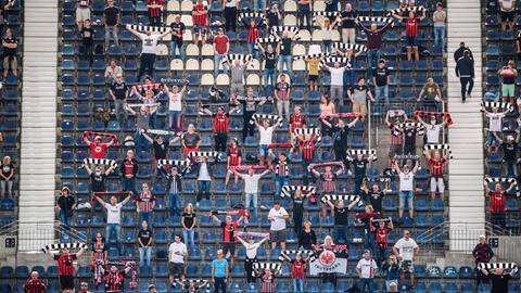 Fans von Eintracht Frankfurt gegen Bielefeld