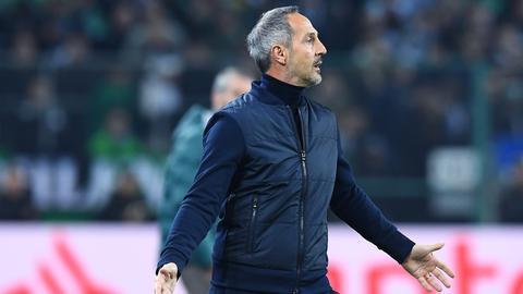 Eintracht-Trainer Adi Hütter war mit dem Auftritt in den ersten 45 Minuten unzufrieden.