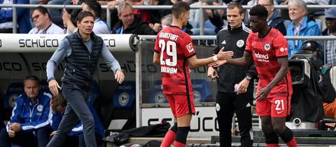 Eintracht-Trainer Oliver Glasner will auch in Zukunft offensiv wechseln.