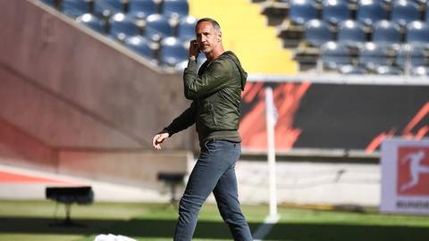 Eintracht-Trainer Adi Hütter hofft noch auf Heimpunkte.