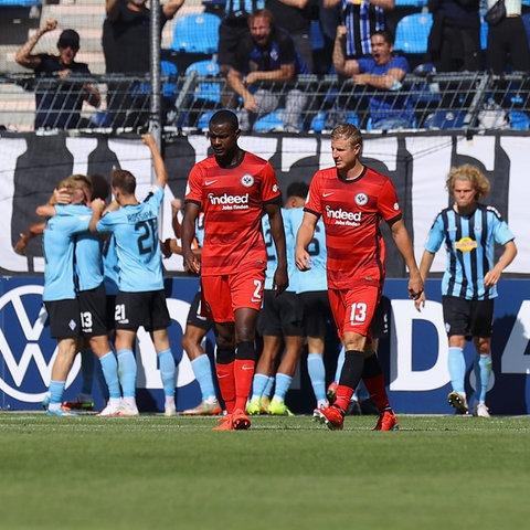 Enttäuschung bei den Spielern der Eintracht in Mannheim