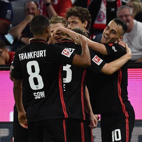 Die Eintracht jubelt in München.