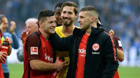 Luka Jovic, Kevin Trapp und Ante Rebic von Eintracht Frankfurt.