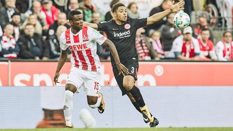 Zweikampf aus der Partie Eintracht gegen Köln