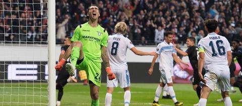 Szene aus dem Hinspiel zwischen der Eintracht und Lazio