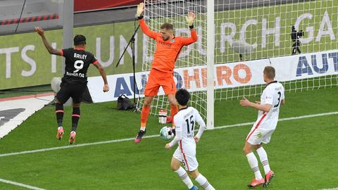 Szene aus der Partie Eintracht gegen Leverkusen