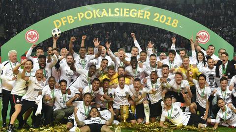 Die Eintracht feiert den Pokalsieg in Berlin