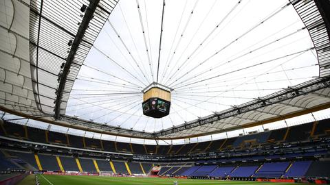 Die Frankfurter Eintracht muss gegen Bremen ohne Zuschauer spielen.