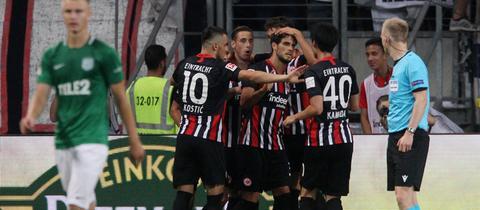 Jubel von Eintracht Frankfurt im Spiel gegen Tallinn