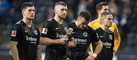 Die Eintracht-Spieler nach der Niederlage gegen Wolfsburg