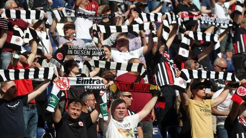 Eintracht Fans gegen Stuttgart