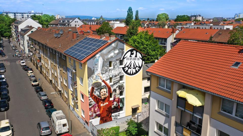 Graffiti von Charly Körbel in Bockenheim