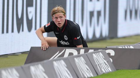 Auch Jens Petter Hauge brachte den Ball gegen Augsburg nicht im Tor unter.
