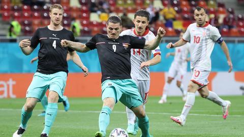 Martin Hinteregger (links) im Spiel gegen Nordmazedonien
