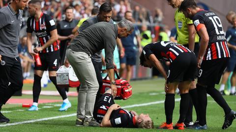 Martin Hinteregger am Boden im Spiel gegen Hoffenheim