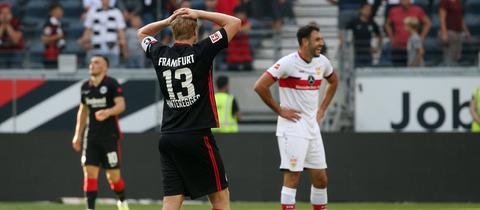 Enttäuschung bei Martin Hinteregger nach dem Unentschieden gegen Stuttgart