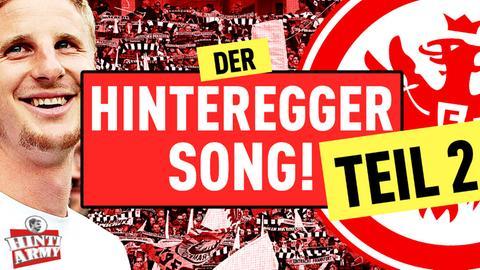 Martin Hinteregger vor der Frankfurter Fankulisse
