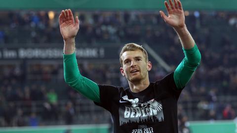 Eintracht-Keeper Hradecky jubelt