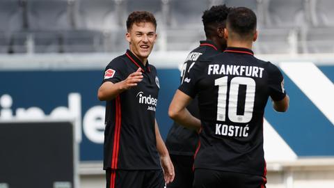 Ajdin Hrustic jubelt im Spiel gegen Straßburg.