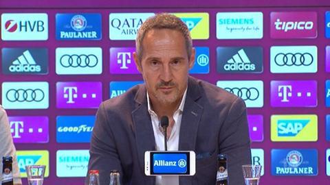 Adi Huetter in der Pressekonferenz
