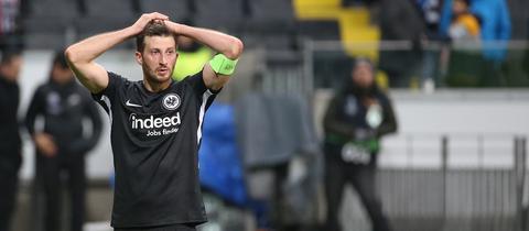 David Abraham von Eintracht Frankfurt ist frustriert