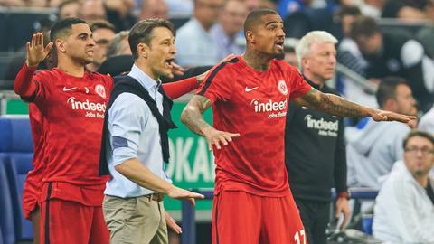 Niko Kovac und Kevin-Prince Boateng beruhigen die Mannschaft